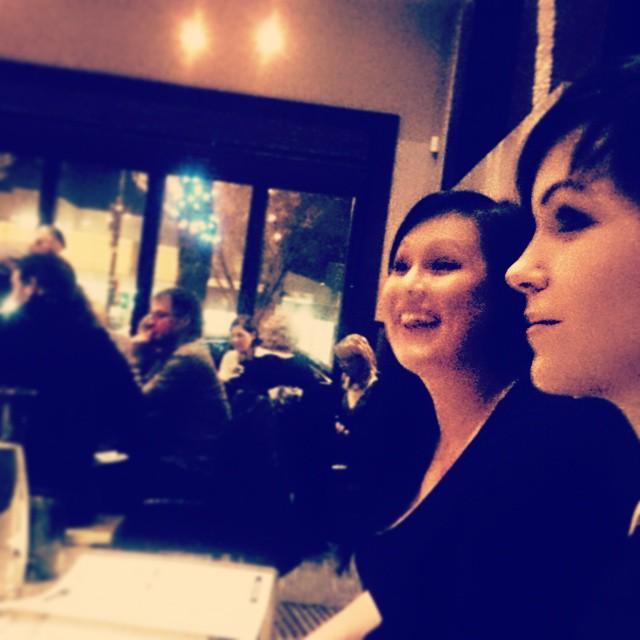 #girlsnight #ampersand27 #merryxmas @robyneal