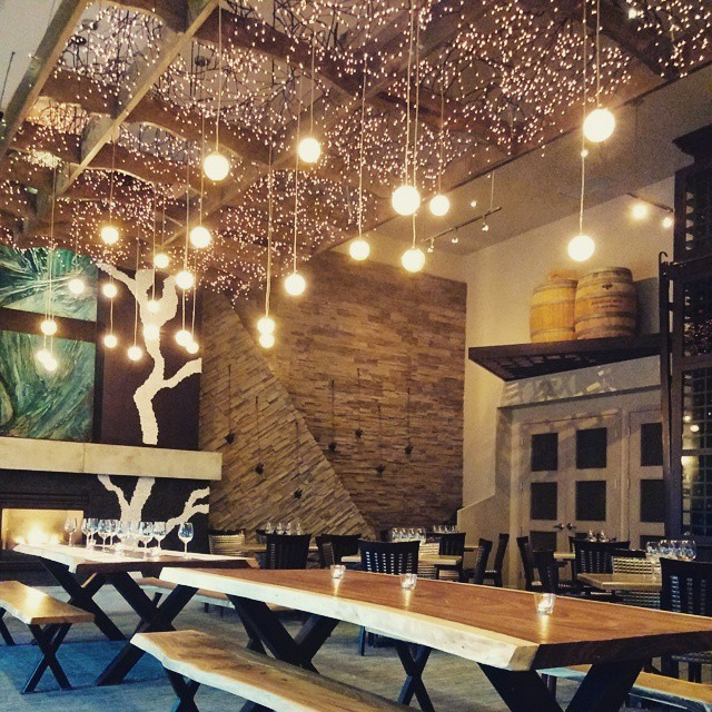 Stunning decor kills it for me. I have a thing for drop lighting & decor. #ampersand27 #sicdate #yegfood #yegeats #decor #interiors #design