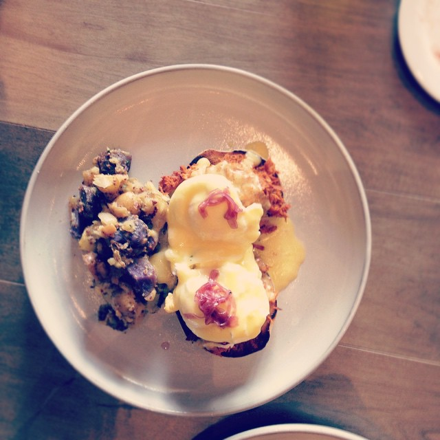 #ampersand27 #pulledpork #bennies #yegeats #yeg #brunch so, this just happened.